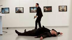El instante previo al asesinato del embajador ruso en Turquía