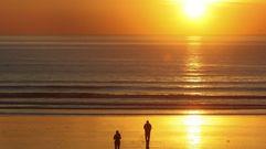 Una puesta de sol de invierno en A Lanzada