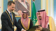El Rey de Arabia Saudí concede a Felipe VI la máxima condecoración