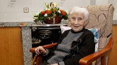 Manuela, 104 anos: «O meu segredo é o viño doce»