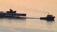 Una dovela de 205 toneladas surca la ría de Vigo