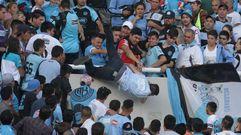 En muerte cerebral el hinchaque fue arrojado de una grada en Argentina