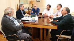 Cinco alcaldes se reúnen en Carballo para impulsar O Camiño do Anllóns
