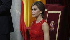 Letizia Ortiz deslumbra con un espectacular vestido rojo