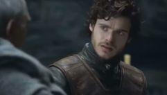 Robb recibe la carta de Sansa en «Juego de Tronos»