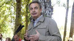 Zapatero tiende la mano a Rajoy para frenar el independentismo catalán
