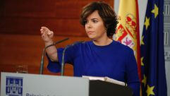 Sáenz de Santamaría califica de «bochornoso» el debate independentista