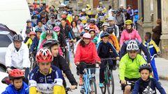 Ribadeo pedalea en el Día da Bicicleta