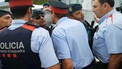 Los Mossos D'Esquadra se encaran con la Guardia Civil