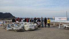 Así fue la limpieza de residuos en la playa de los Quebrantos