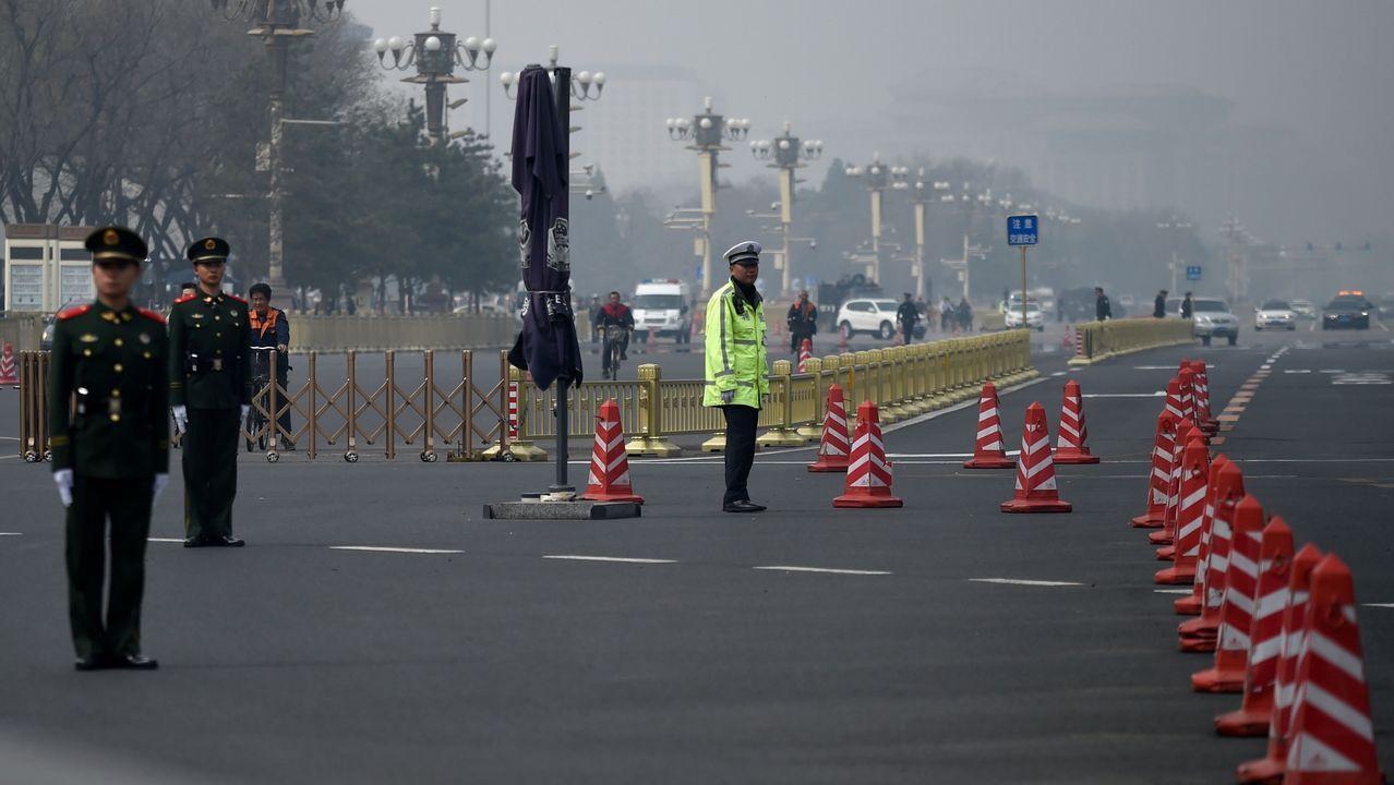 Corea del Norte anuncia que suspende sus pruebas nucleares.Centenares de niños participaron en una exhibición de taekuondo en Seúl a favor de la paz