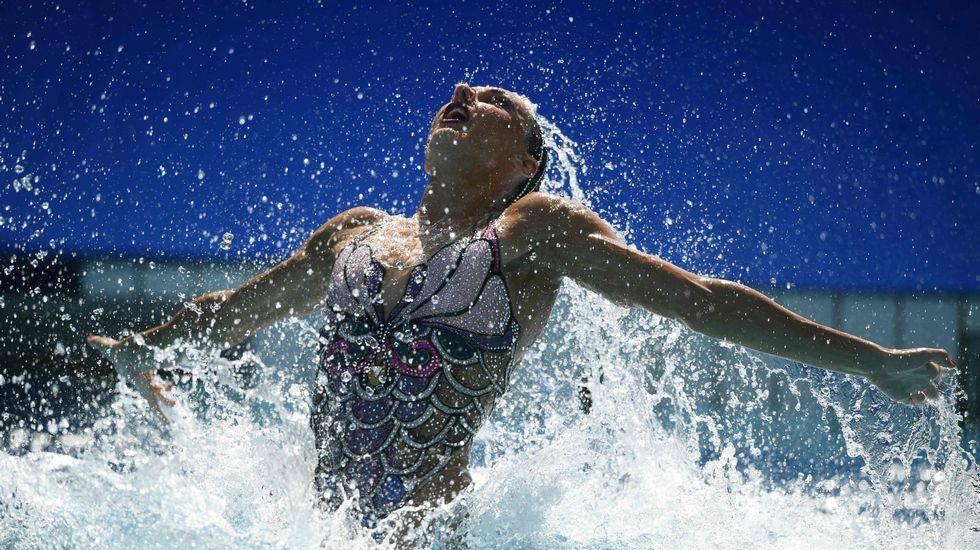 La rusa Natalia Íshchenko destacó en natación sincronizada con oro en dueto y por equipos