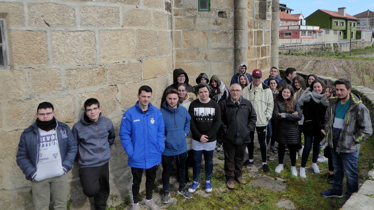 Colas para sellar la Compostela