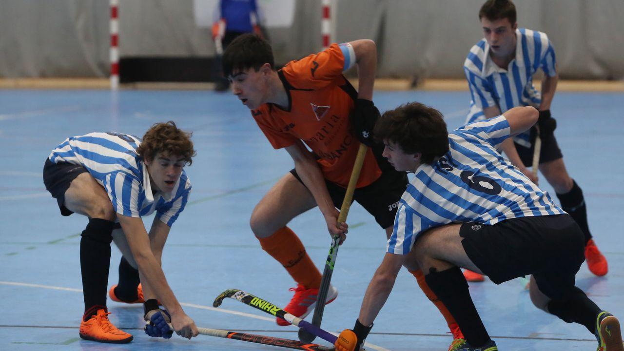 Brutal agresión con el stick en un partido de hockey.Víctor González