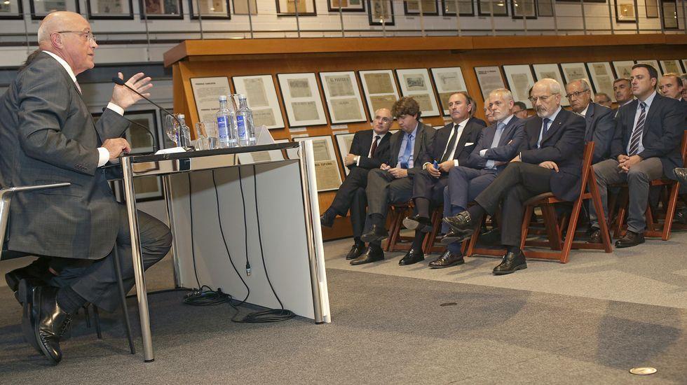 Oliu reclama un pacto presupuestario para cuadrar el déficit e impulsar el crecimiento