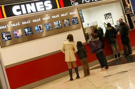 La capilla ardiente.Los cines As Termas, en imagen, seguirán abiertos cuando abran las ocho salas de Abella.