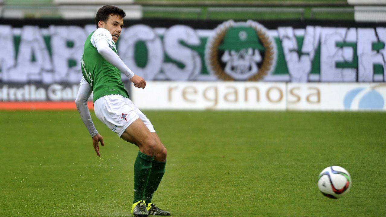 El Pontevedra CF vence 2-0 al Navalcarnero
