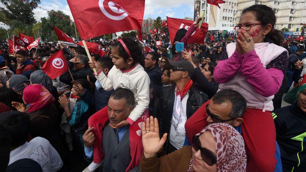 Túnez se echa a la calle