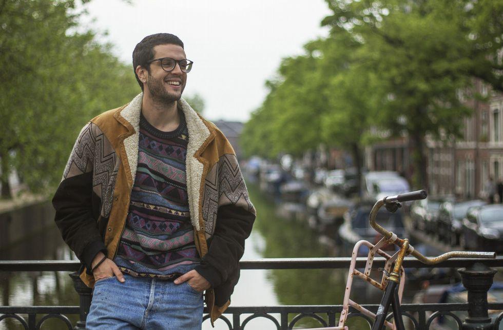 .Javier, en el canal Elandsgracht de Ámsterdam, la ciudad donde vive, aunque trabaja en La Haya.