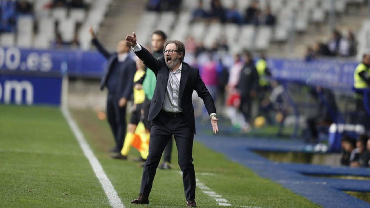 Juan Antonio Anquela durante el Oviedo-Almería