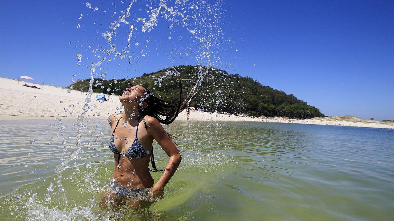 La playa de Rodas, en las islas Cíes suma 1.678 almohadillas. No en vano fue elegida la mejor playa del mundo por The Guardian. Aquí ya lo teníamos claro