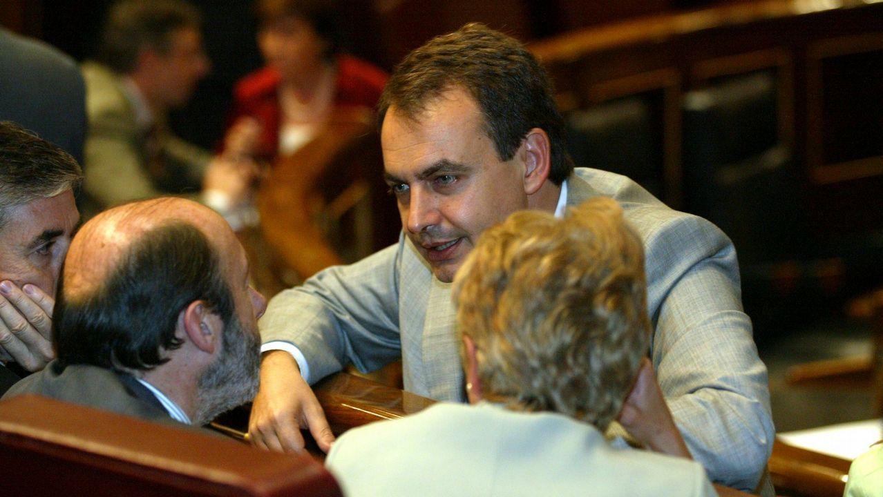 Rubalcaba y Zapatero en 2003 antes del Debate sobre el Estado de la Nación