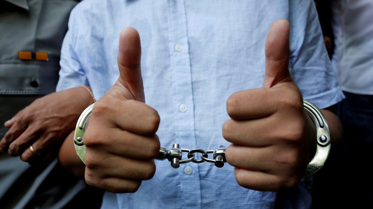 .El periodista de Reuters detenido en Myanmar Wa Lone, tras su audiencia judicial en Yangon