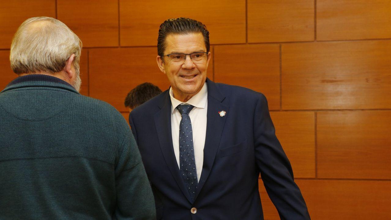 Feijoo acudió a la presentación de Aurelio Núñez como candidato del PP de Carballo.Juan Manuel Romero (PP) y Juan Marín (Ciudadanos), en una imagen de archivo