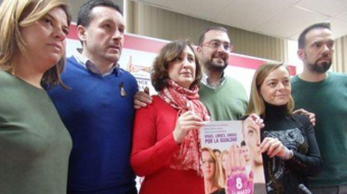 Manifestación de pensionistas en Oviedo.Tomás Cueria, exalcalde de Caso