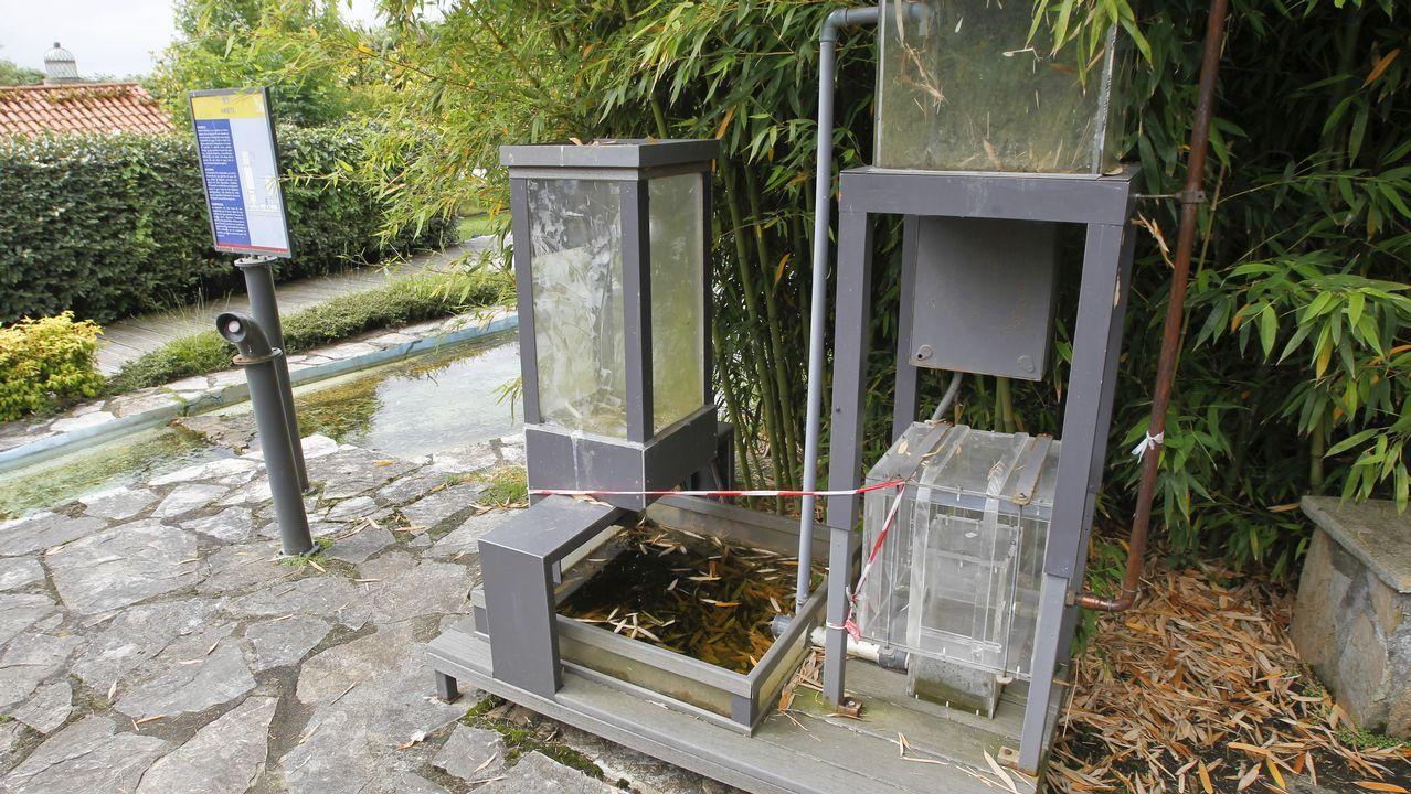 Algunos de los inventos del parque Aquaciencia, como el ariete (en la imagen) se encuentran inoperativos