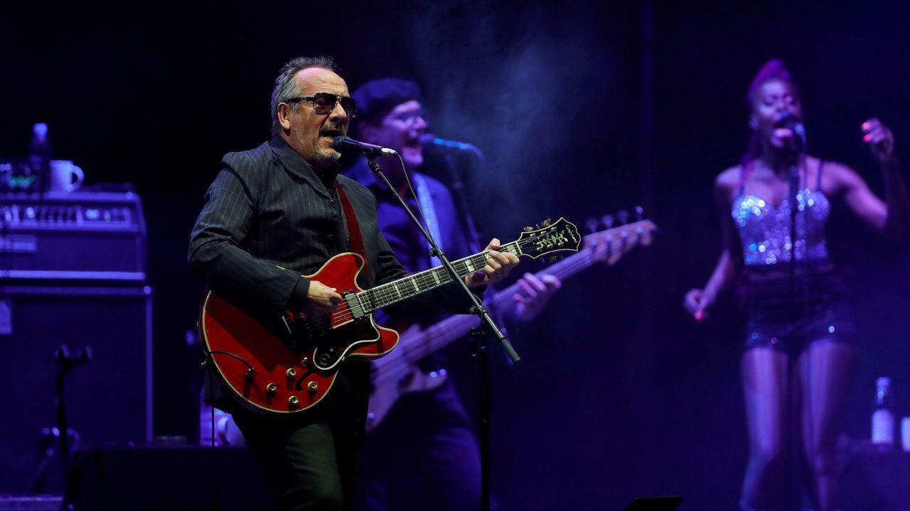 «Se ha prendido él y ha afectado a su mujer y a uno de sus hijos».Elvis Costello en las Noches del Botánico, en Madrid