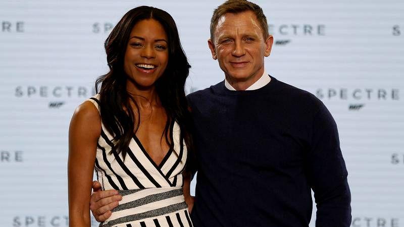 Estreno mundial de «Spectre».Daniel Craig, flanqueado por Naomi Harris, Léa Seydoux, Monica Bellucci y Waltz.