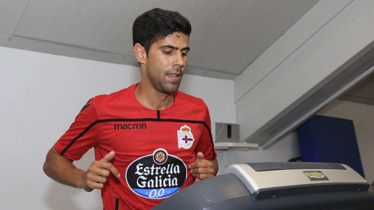 .Juanfran, durante los exámenes médicos del pasado lunes con el Deportivo