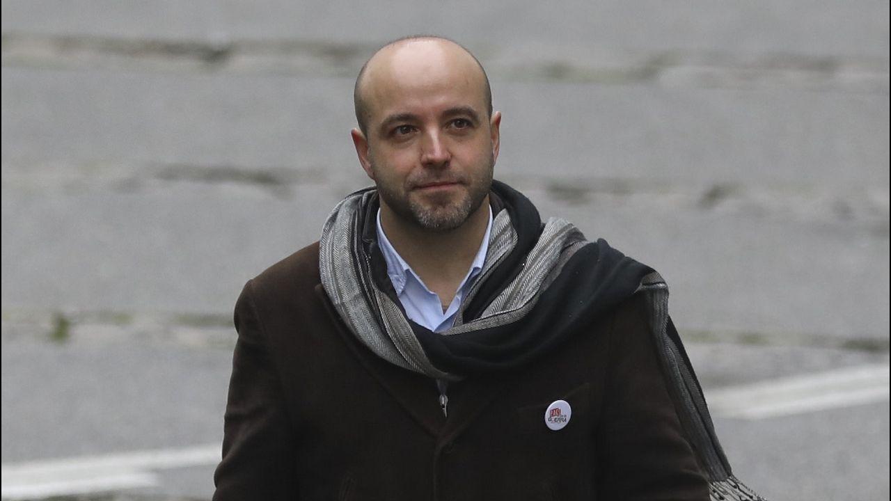 Luís Villares (Parlamento de Galicia). Cuestionado por los fundadores de En Marea, el sector crítico llevaba dos años tratando de arrebatarle la portavocía, tanto la del grupo parlamentario como la del partido