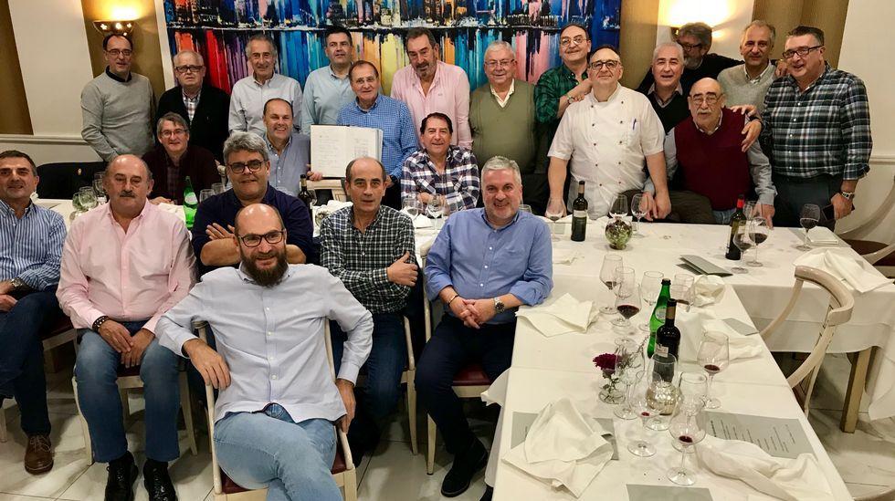 Berasategui y David de Jorge invitan a comer en el restaurante de prácticas del Carlos Oroza.Santiago García Granda, rector de la Universidad de Oviedo