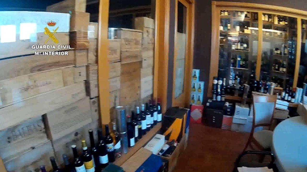 Así operaba la organización que vendía vinos falsificados: botellas de 19 euros a 1.900