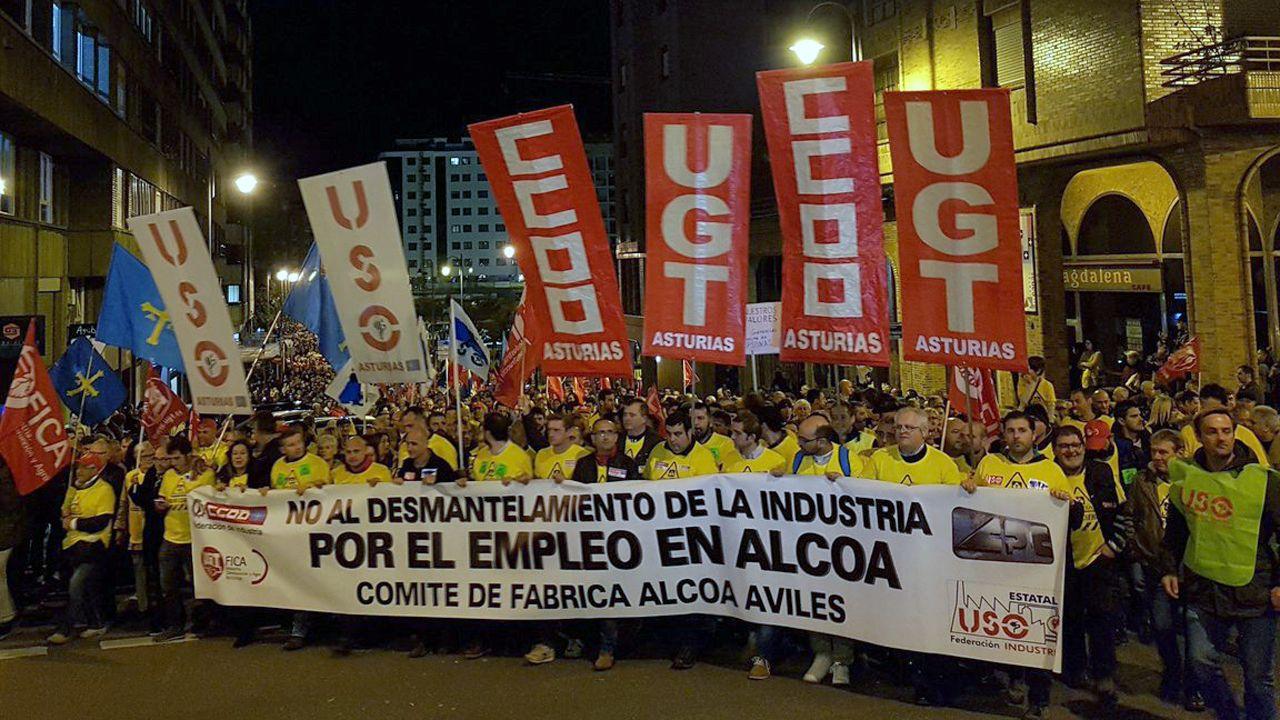 Cabecera de la manifestación en defensa de Alcoa en Avilés