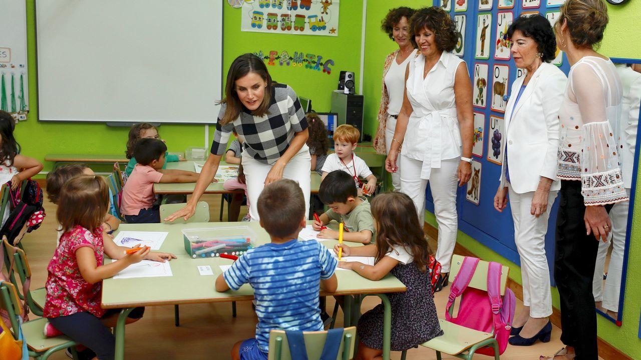 La reina Letizia visitó hoy el colegio público Baudilio Arce de Oviedo para presidir el acto oficial de apertura del curso escolar 2018/2019