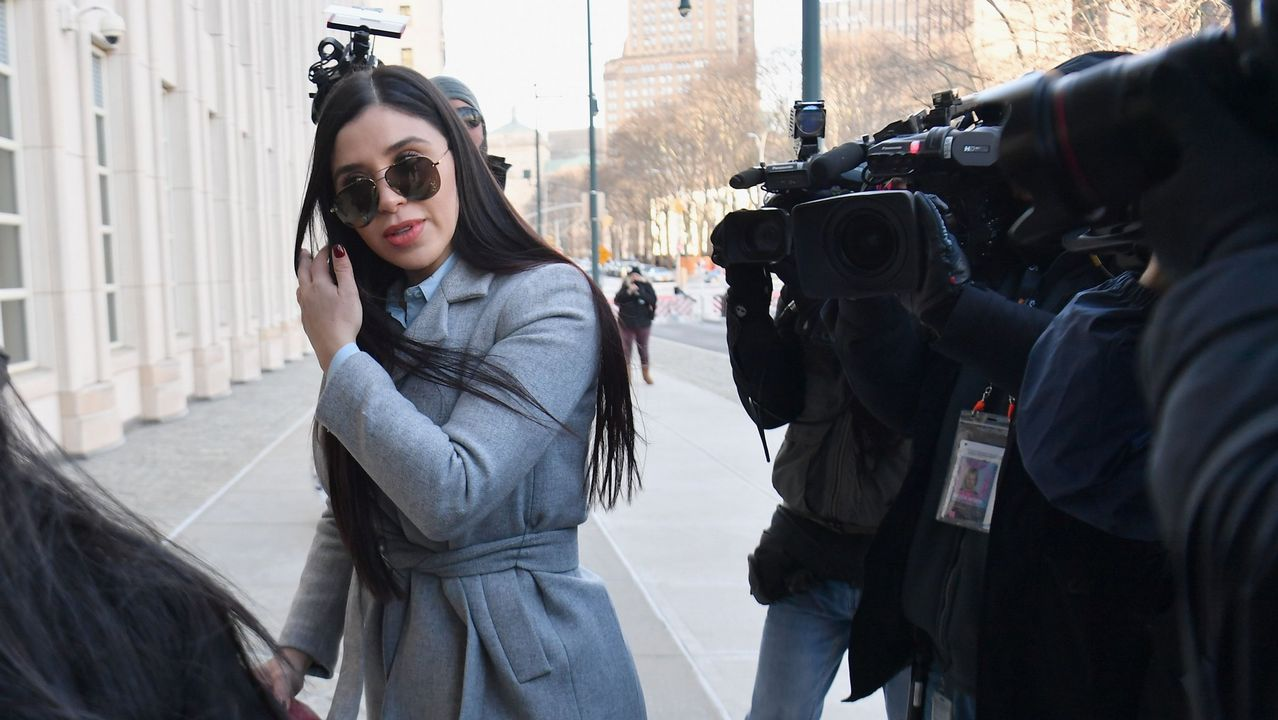 La mujer del Chapo, a su llegada al tribunal