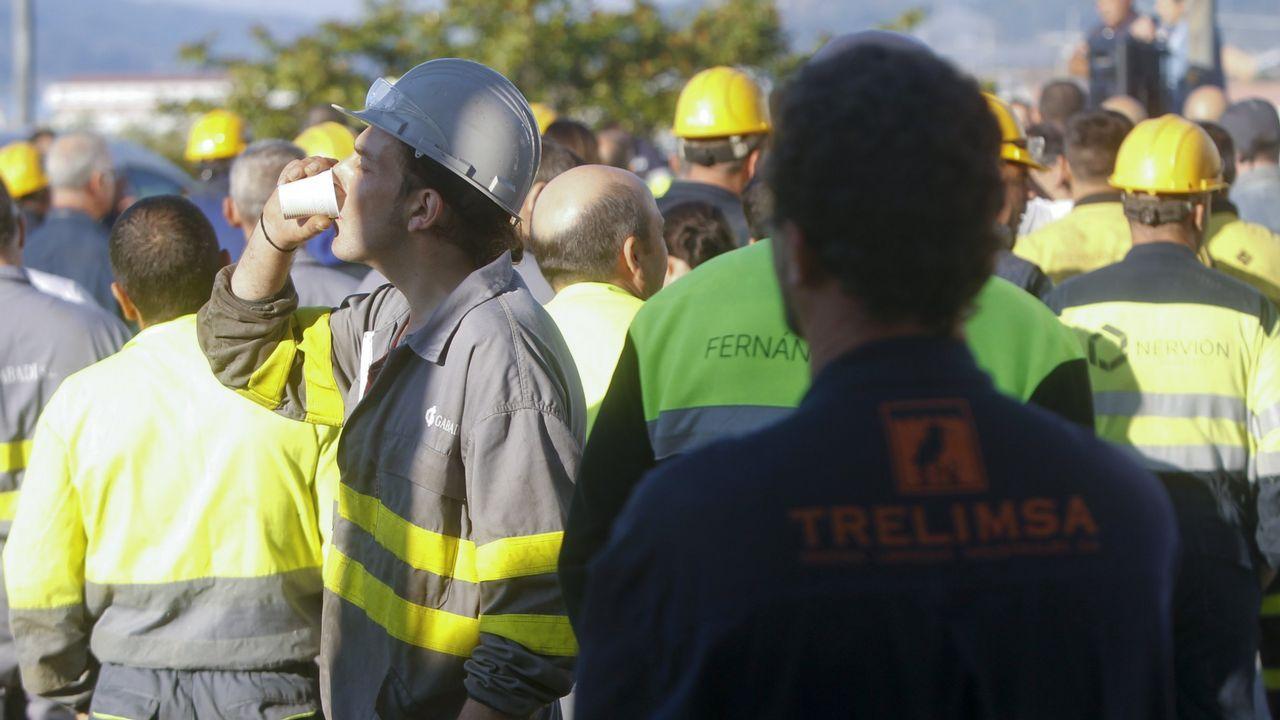 Así fue la movilización de los trabajadores del naval auxiliar de Ferrol.Corte de chapa del BAM