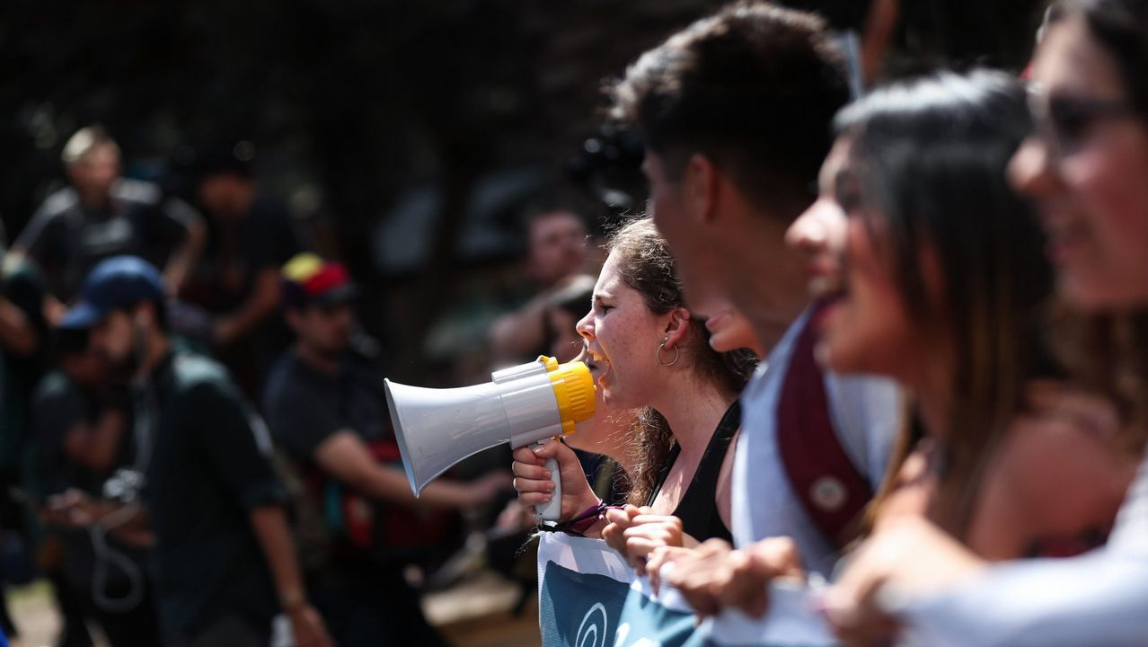La manifestación por la oficilidad en imágenes.Íñigo Errejón, hoy, durante la rueda de prensa en la que anunció que deja el escaño de Podemos en el Congreso