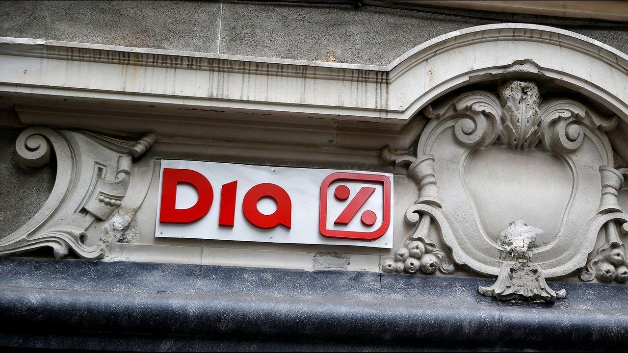 Rato entra en Soto del Real.El equipo de Lagarde ha rebajado dos décimas, al 2'5%, la previsión de crecimiento del 2018