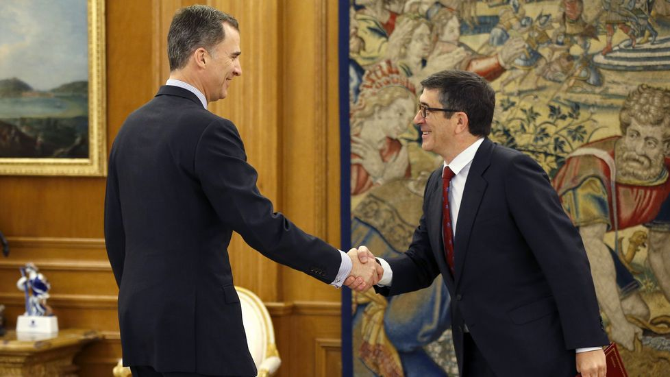 El rey recibe en Zarzuela a la portavoz de En Marea en el Congreso.Audiencia de Patxi López con Felipe VI