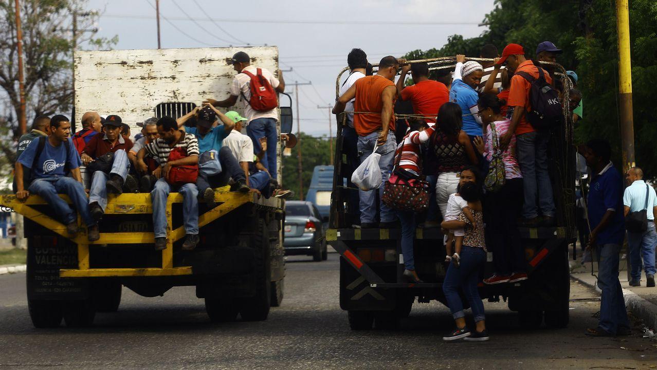 Vecinos de Carabobo usan los camiones vacíos para moverse por toda la ciudad cada que se suspende el transporte público