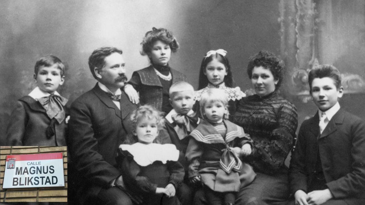 El empresario noruego Magnus Blikstad, con su familia en la imagen En el recuadro, el rótulo de su calle en Gijón