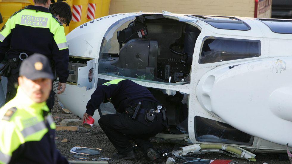 En el 2005 sufrió un accidente de helicóptero junto a Mariano Rajoy, del que salieron ilesos.