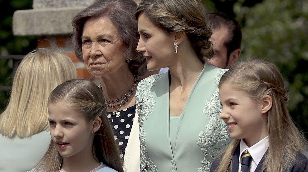 .La infanta Sofía en su primera comunión