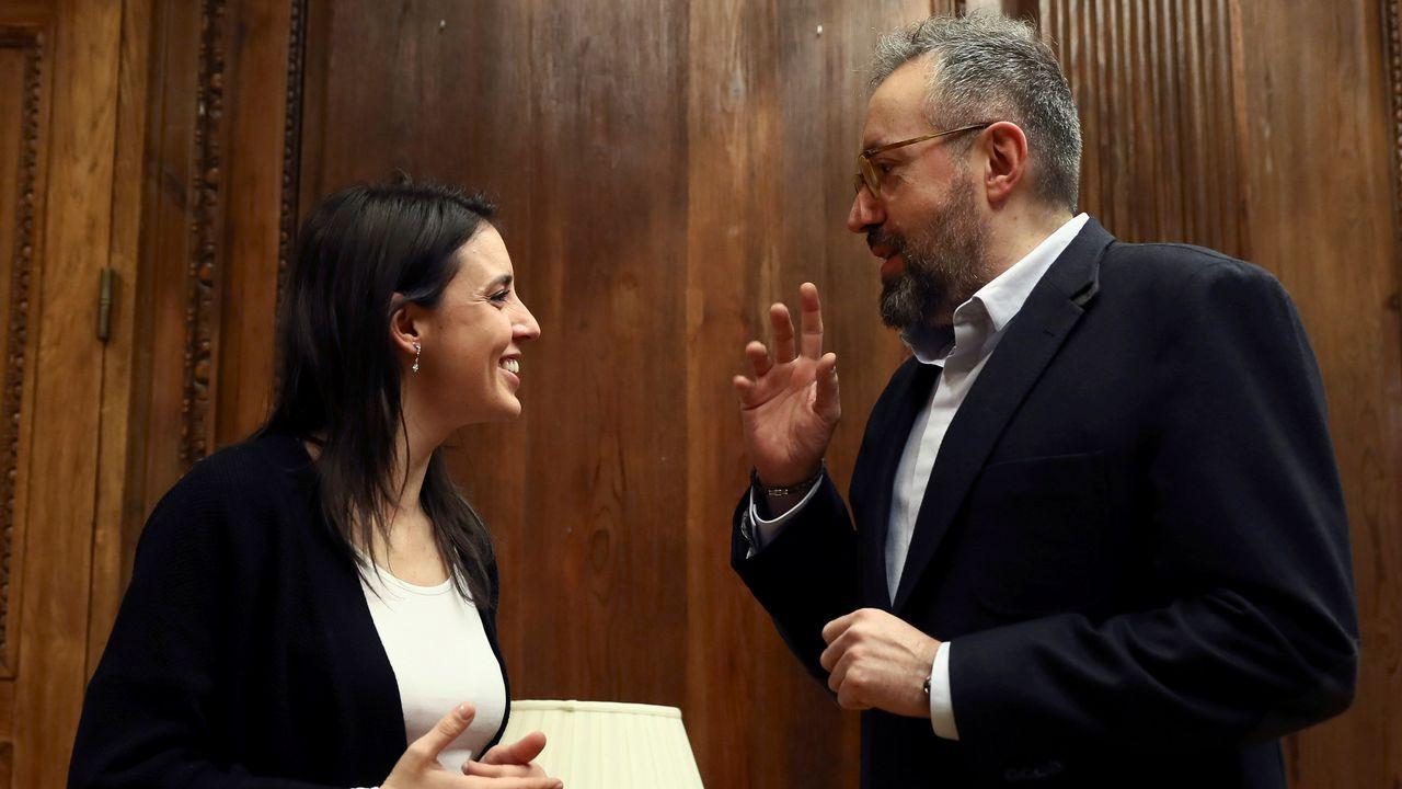 Montero y Girauta.La diputada del PSOE Adriana Lastra presentó la estructura del congreso