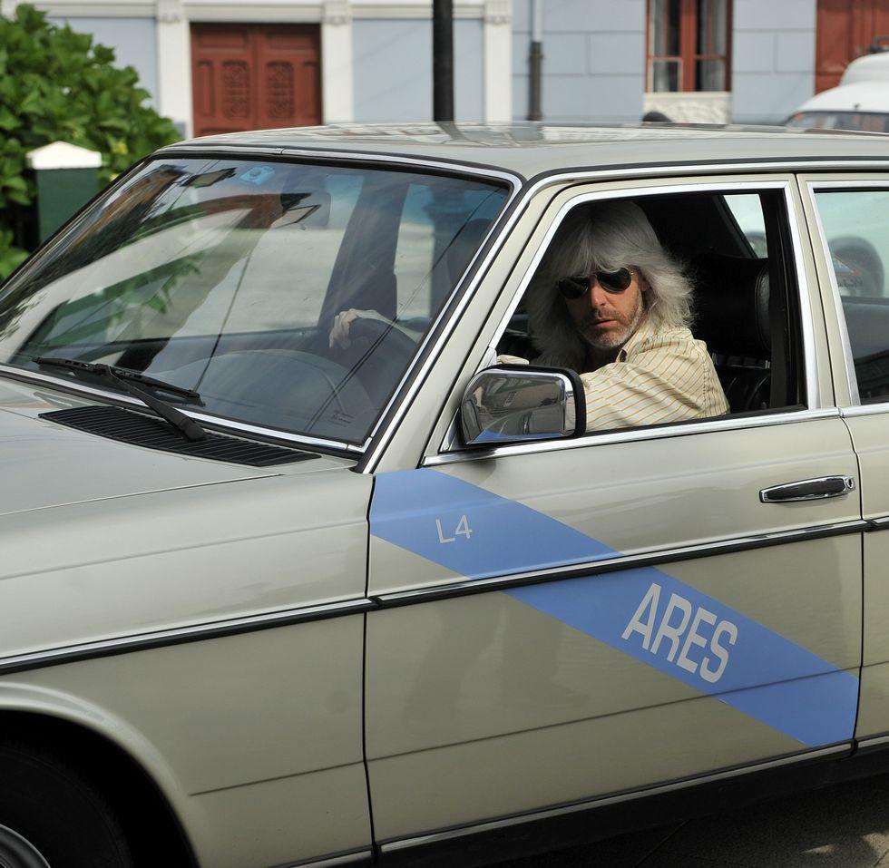 .Taxi de los ochenta. Diethelm, un coruñés de origen alemán, alquiló su coche al equipo y hasta hizo de taxista.