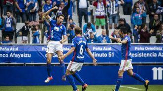 Toché celebra su gol al Cádiz con Carlos Hernández y Folch